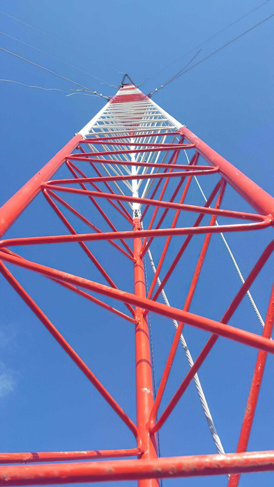 Pararrayos; extractores de aire techumbre área 140, 141, 150 y 151.